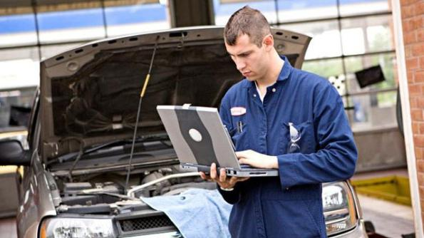 An auto mechanic is a profession for motorists. Occupation mechanic (car mechanic): training, necessary qualities